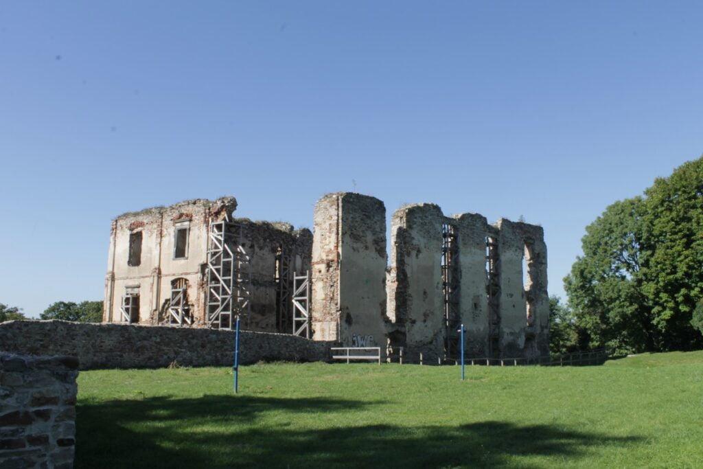 Bodzentyn - zamek
