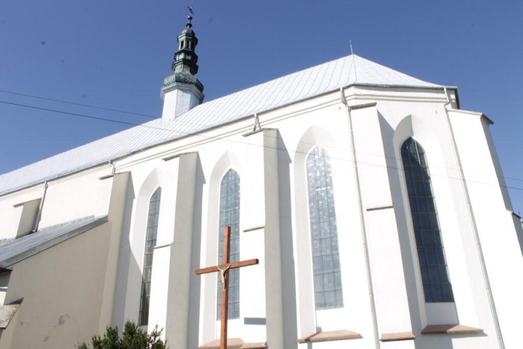 Bodzentyn - kościół parafialny