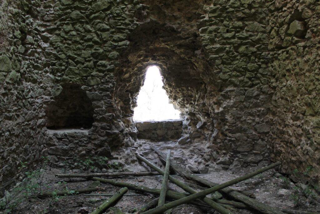 Wieża w Tudorowie - wnętrze