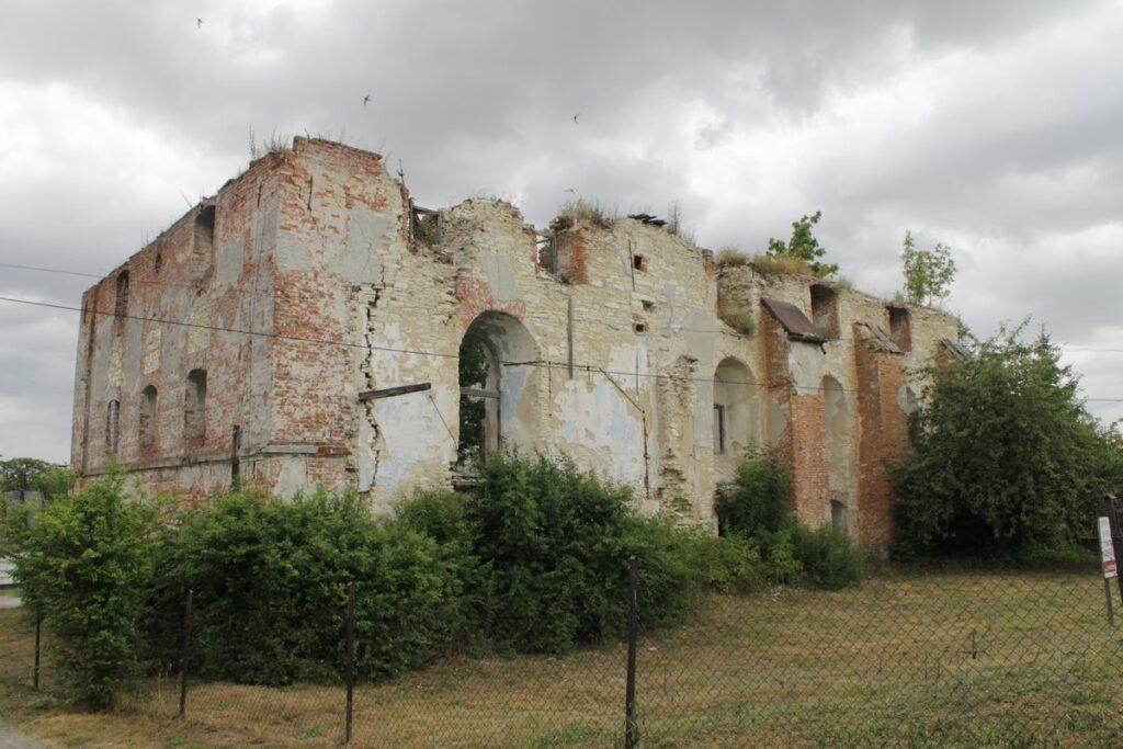 Ruiny synagogi w Wodzisławiu