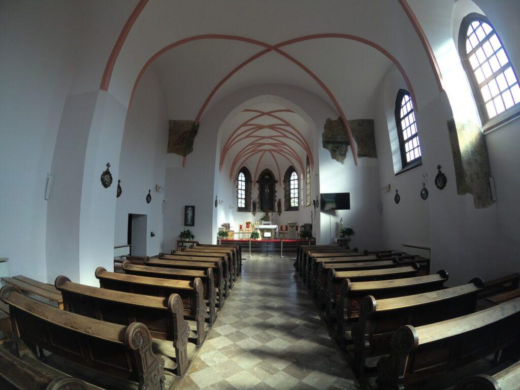 Chęciny - klasztor