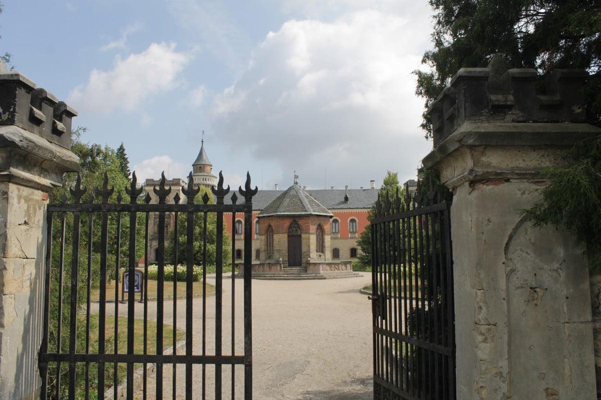 Zamek Sychrov
