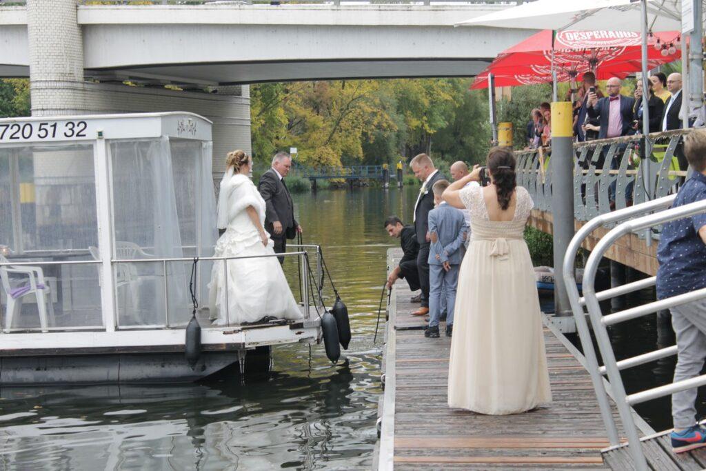 Pływające domy - ślub