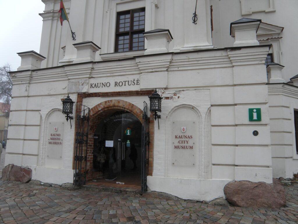 Ratusz w Kownie