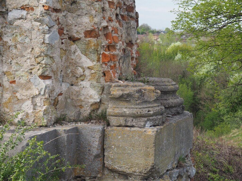 Zamek w Ossolinie